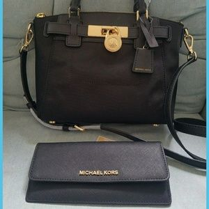 Michael Kors Bags - Current collection Set incluided wallet handbag